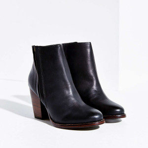 Silence + Noise Half Stacked Heeled Ankle Boot